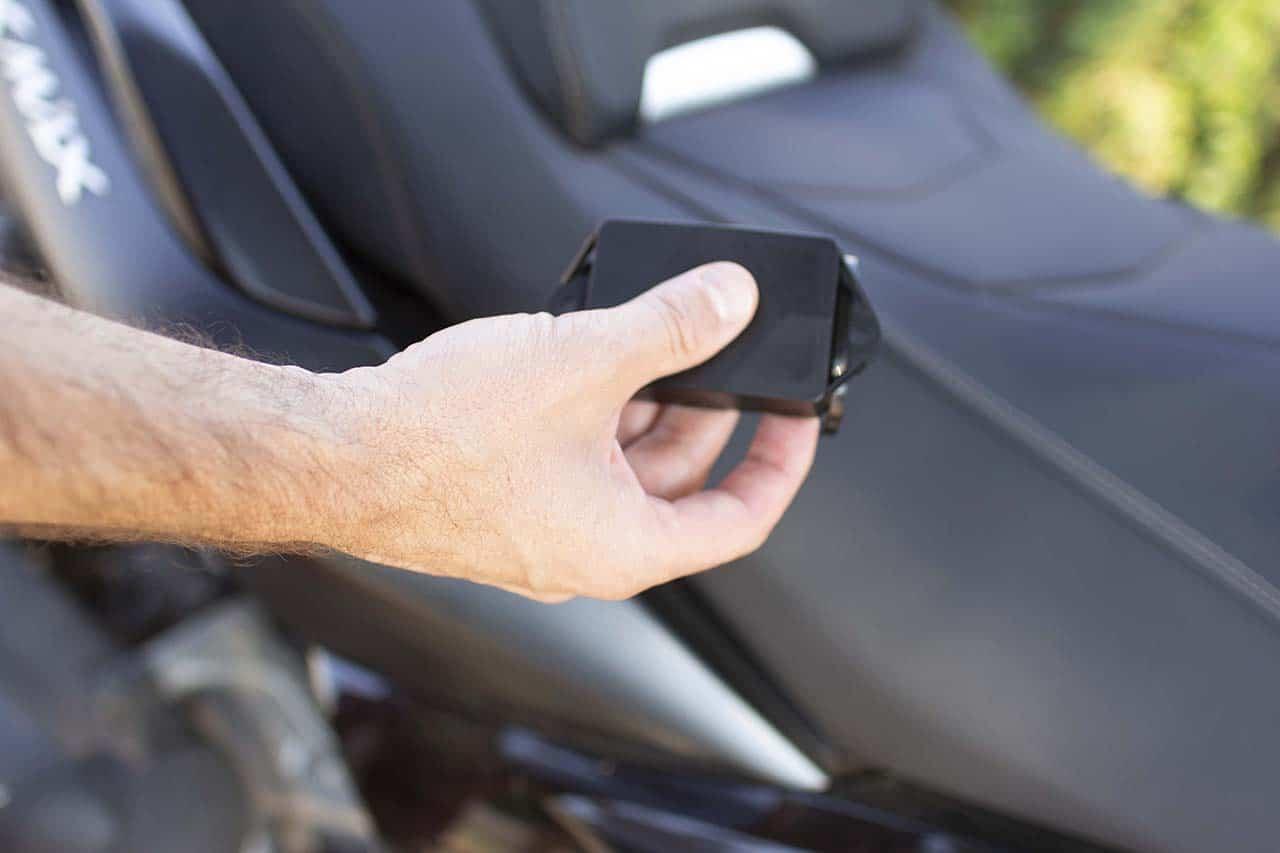 Traceur GPS sur moto